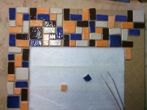 Miroir mosaïque : travail avec des Emaux de Briare