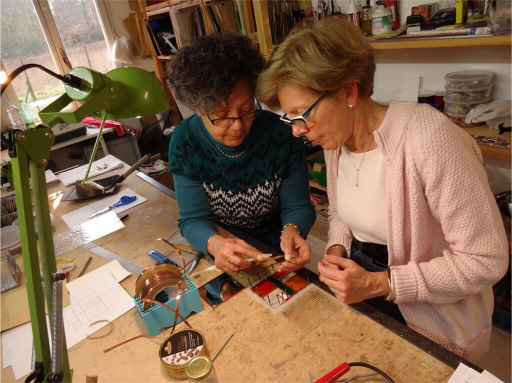 """Formation découverte du vitrail """"Tiffany"""" à l'atelier Sud Vitrail Mosaïque. Brignoles (Var)"""