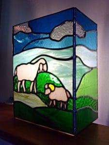 """Applique """"Mouton"""" en vitrail """"Tiffany"""" - Sud Vitrail Mosaïque"""