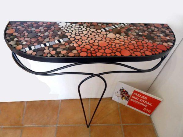 Console Mosaique -Camaieu rose en galets émaillés - Sud Vitrail Mosaiqu