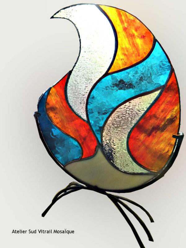 Luminaire Flamme en vitrai tiffany bleu et orangé - Sud Vitrail Mosaique