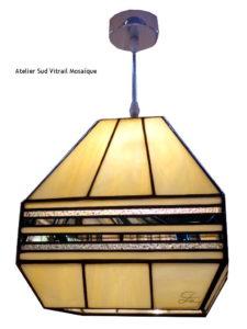 Suspension Art Déco en vitrail tiffany noire, beige et transparent - Sud Vitrail Mosaique