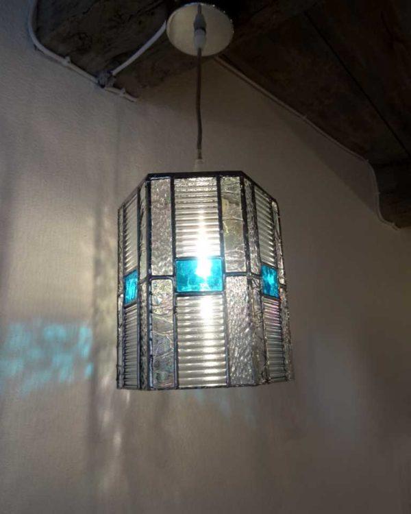 Suspension en vitrail transparent et bleu - Sud Vitrail Mosaique