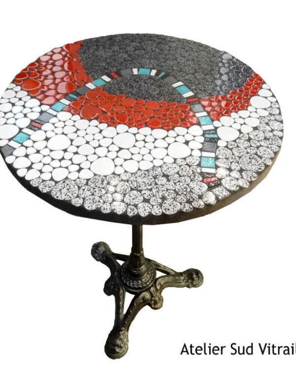Table bistrot-mosaique-galet emaille-rouge-gris-bleu-Sudvitrailmosaique