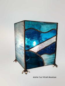 Luminaire en vitrail tiffany - Lampe bleue - Création Sud Vitrail Mosaique