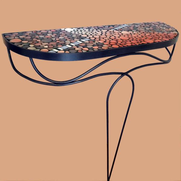 Console en mosaïque de galets gris et roses - Création Sud Vitrail Mosaïque