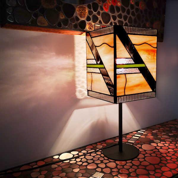 Lampe Art déco en Vitrail Tiffany saumon - Création Sud Vitrail Mosaïque