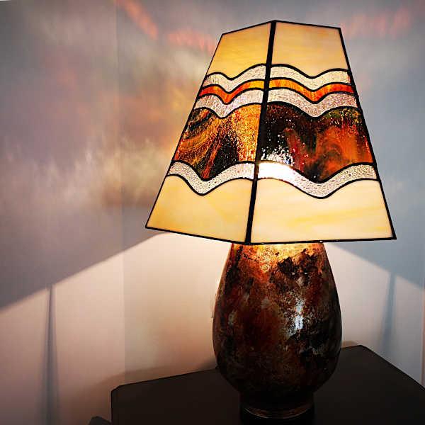 Lampe vitrail tiffany - Ambre- Sud Vitrail Mosaique