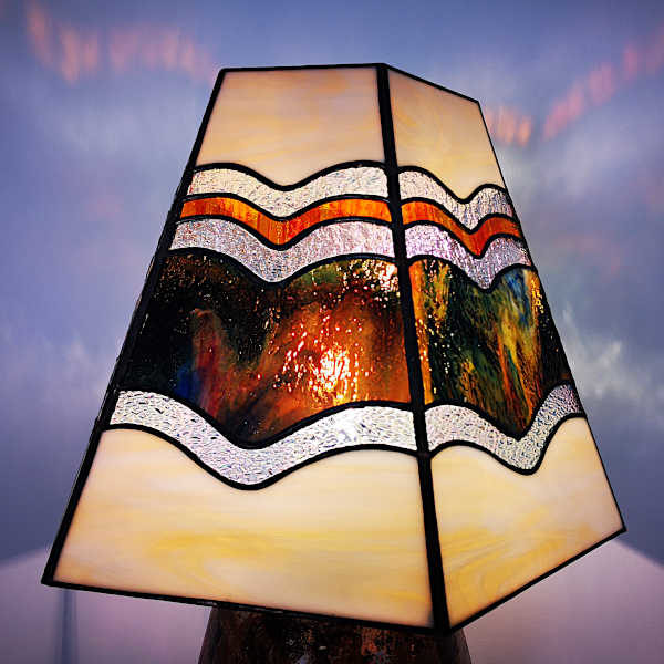 Luminaire Vitrail Tiffany – Lampe ambre, orange, beige et transparent – Fait main