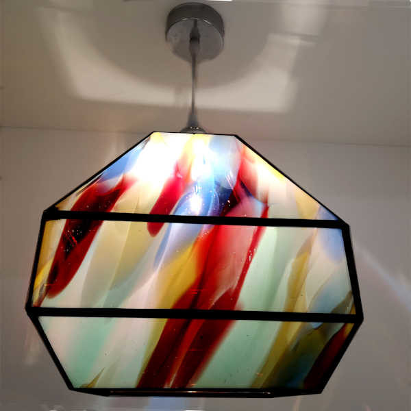 Suspension multicolore en Vitrail Tiffany style pyramidal