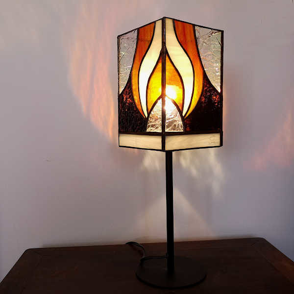 Lampe de table orange sur pied en Vitrail Tiffany