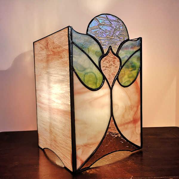Lampe vitrail tiffany Rose Art Nouveau - Sud Vitrail Mosaïque