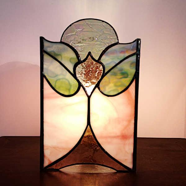 Lampe en vitrail tiffany Art Nouveau de face -Sud Vitrail Mosaique