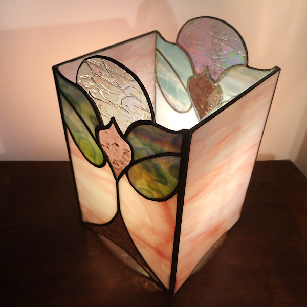 Lampe vitrail Tiffany Art Nouveau – Verre rose à l'or