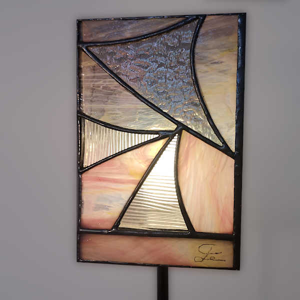 Lampe vitrail sur pied Rose - Face1 - Sud Vitrail Mosaique